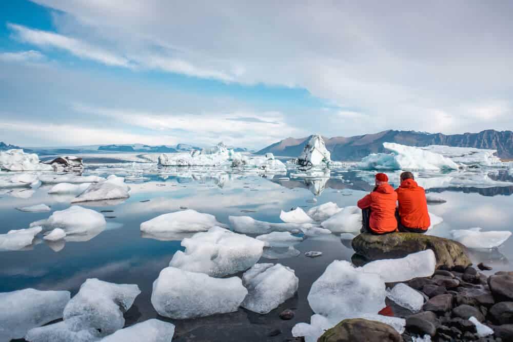 tourist overlooking Jökulsárlón Glacier Lagoon