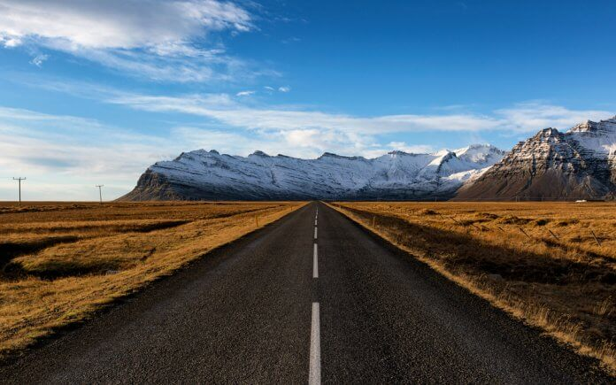 How long does it take to drive around Iceland's Ring Road?