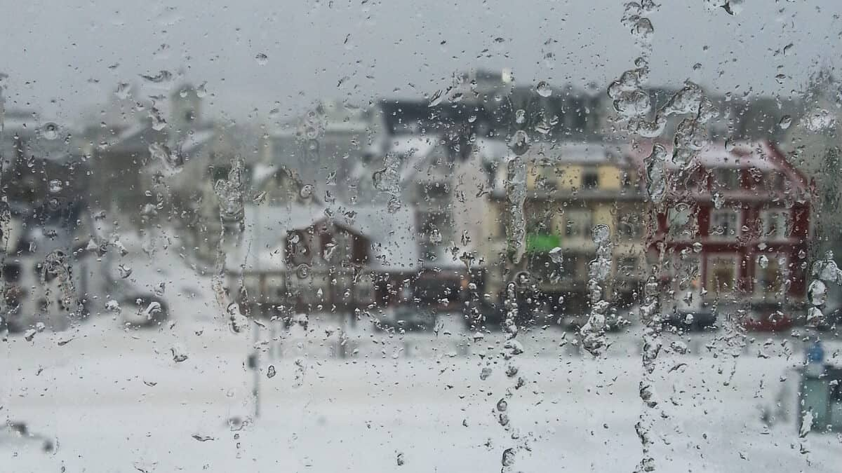 Icy, stormy weather in Reykjavik