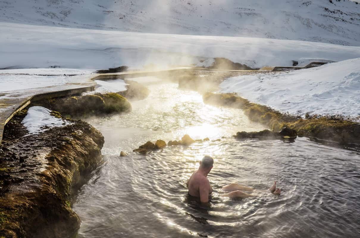 Free things to do in Iceland hot springs