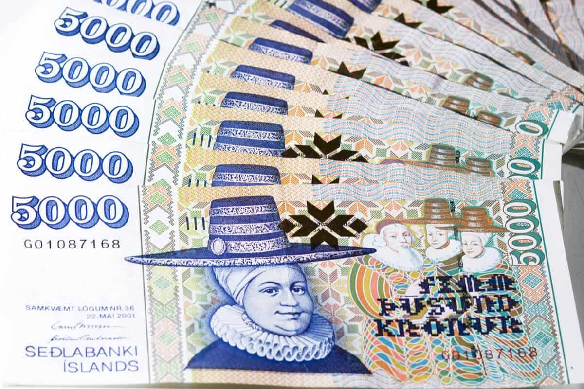 Iceland currency 5000 krona note