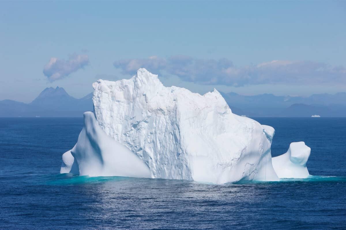Iceland glacier melting raises sea levels