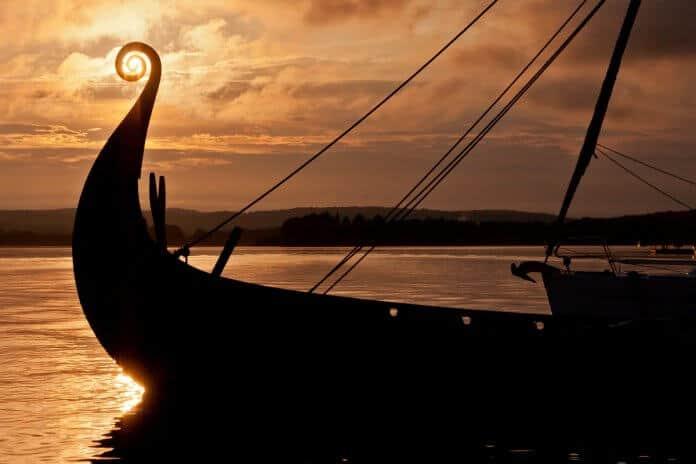 Islendigur Viking ship replica