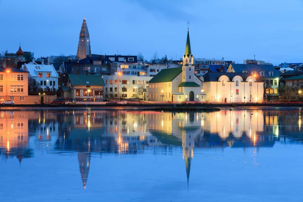 lake tjornin, a reykjavik's highlight