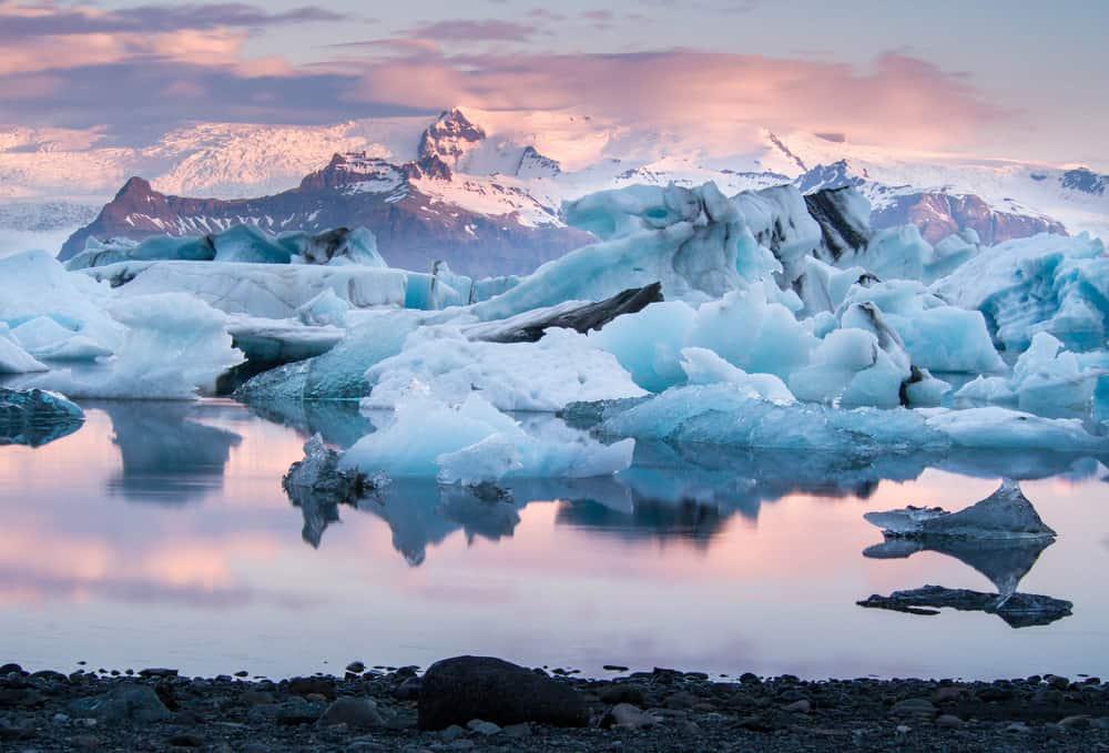 amazing sunset at Jokulsarlon glacier lagoon